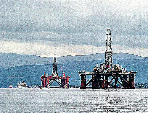 Cromarty Firth rigs & ships